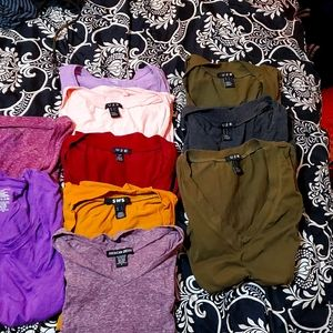 11 gently used v-neck t-shirts